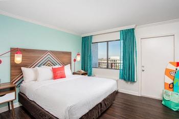 One Bedroom King Suite - Partial Ocean view