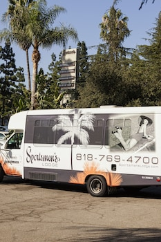 City Shuttle at Sportsmen's Lodge in Studio City