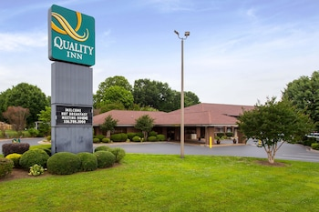 Quality Inn Mount Airy Mayberry photo