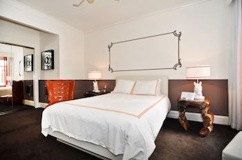 Standard Room, 1 Queen Bed (Petite)