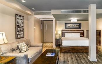 Suite, Multiple Beds (Junior Penthouse 2)