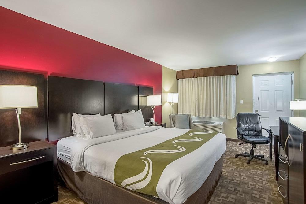 Standard Room, 2 Double Beds, 1st Floor, Pet Friendly, Smoking