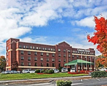 Hotel - Comfort Suites Outlet Center