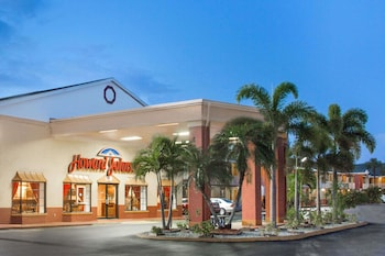 Hotel - Howard Johnson by Wyndham Ft. Myers FL