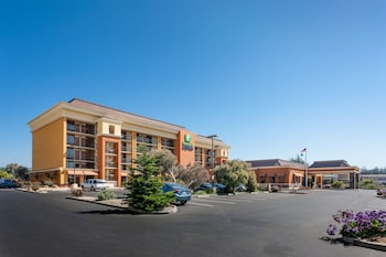Hotel - Holiday Inn Express at Monterey Bay