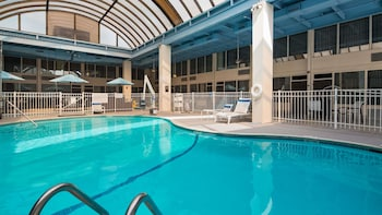 Hotel - SureStay Plus Hotel by Best Western Albany Airport