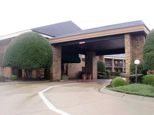 . Quality Inn & Suites Searcy I-67