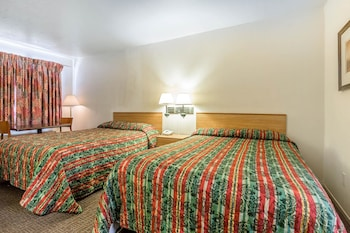 Room, 1 King Bed, Non Smoking (Upgrade)