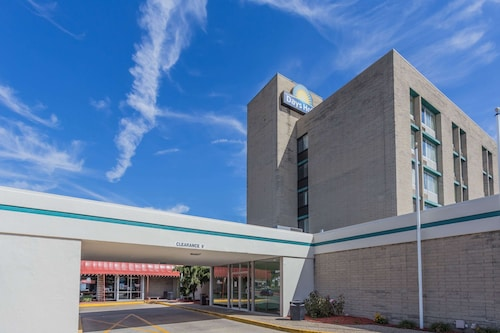 . Days Hotel & Conference Center by Wyndham Danville