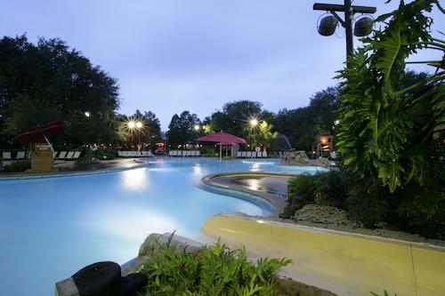 Disney's Port Orleans Resort - Riverside image 12