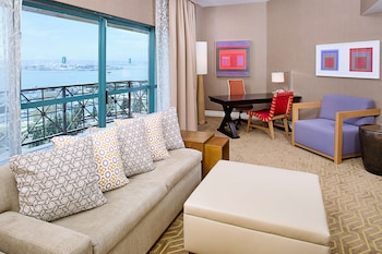 Luxury Suite, 1 King Bed, View