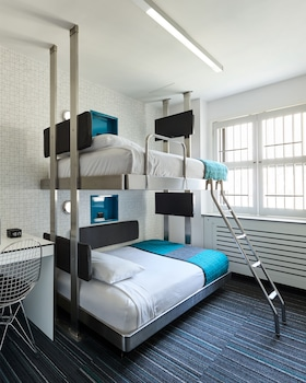 Standard Bunk Bed Room, Shared Bathroom