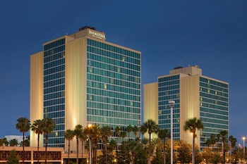 DoubleTree by Hilton at the Entrance to Universal Orlando - Exterior