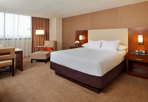 . Hyatt Regency O'Hare Chicago