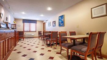SureStay Plus by Best Western Omaha South - Restaurant  - #0