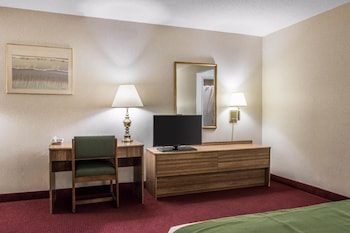 Wilkes-Barre Vacations - Econo Lodge Arena Wilkes Barre - Property Image 1