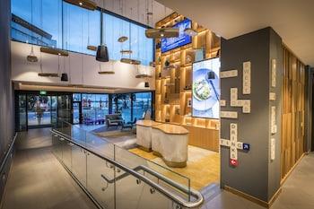 M Social Auckland - Lobby