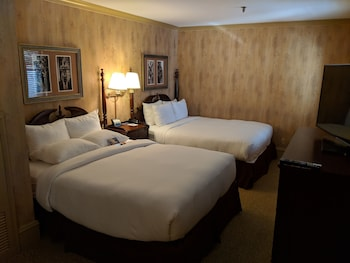Room, 2 Queen Beds