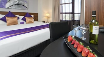 Guestroom at Park Regis City Centre in Sydney