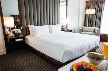 Guestroom at The Lumen in Dallas