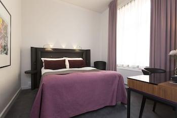 Standard Tek Büyük Yataklı Oda, Avlu Manzaralı