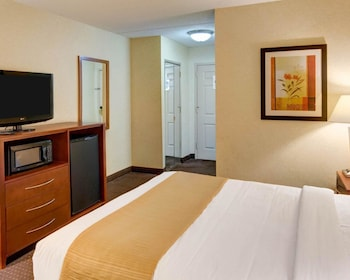Guestroom at Quality Inn Near Ft. Meade in Jessup