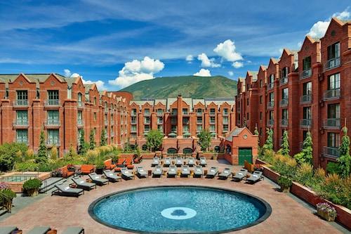. The St. Regis Aspen Resort