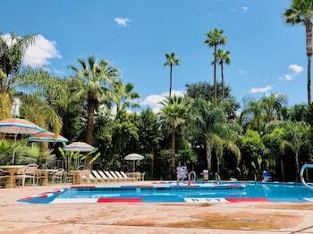 北貝克斯菲爾德貝斯特韋斯特普拉斯修爾住宿飯店 SureStay Plus Hotel by Best Western Bakersfield North