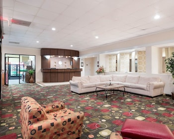 Lobby at Comfort Inn Gold Coast in Ocean City