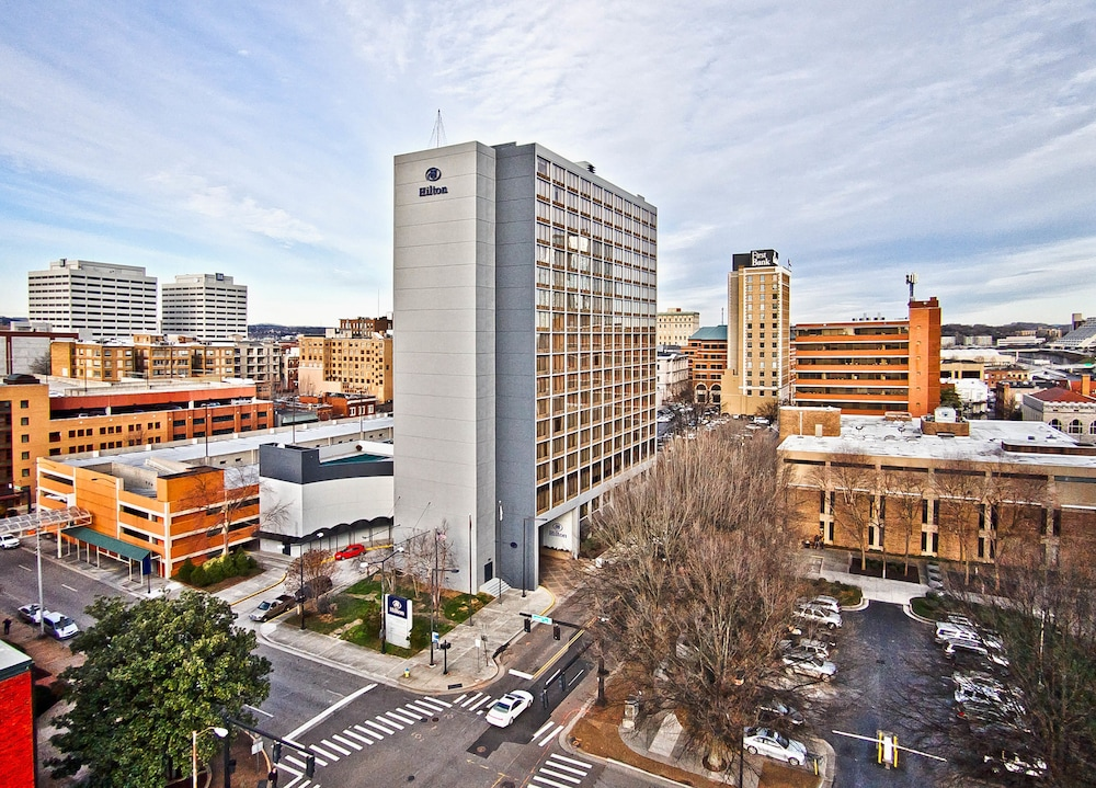Aerial photo of the Hilton Knoxville in Knoxville, Tennessee