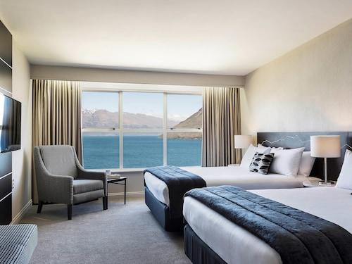 . Mercure Queenstown Resort
