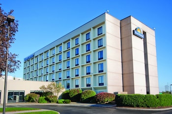Hotel - Days Hotel by Wyndham Buffalo Airport