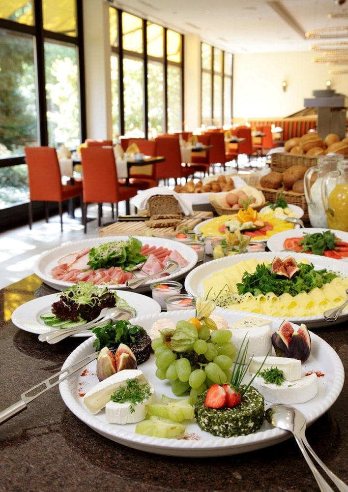 H+ 호텔 보훔(H+ Hotel Bochum) Hotel Thumbnail Image 18 - Breakfast Area