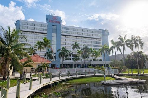 . Hilton Palm Beach Airport