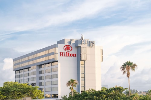 . Hilton Palm Beach Airport