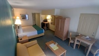 Executive Room, 1 King Bed with Sofa bed, Balcony, Oceanfront