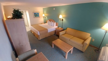 Deluxe Room, 1 King Bed with Sofa bed, Kitchenette, Oceanfront