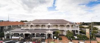 Hotel - Prince's Gate Hotel
