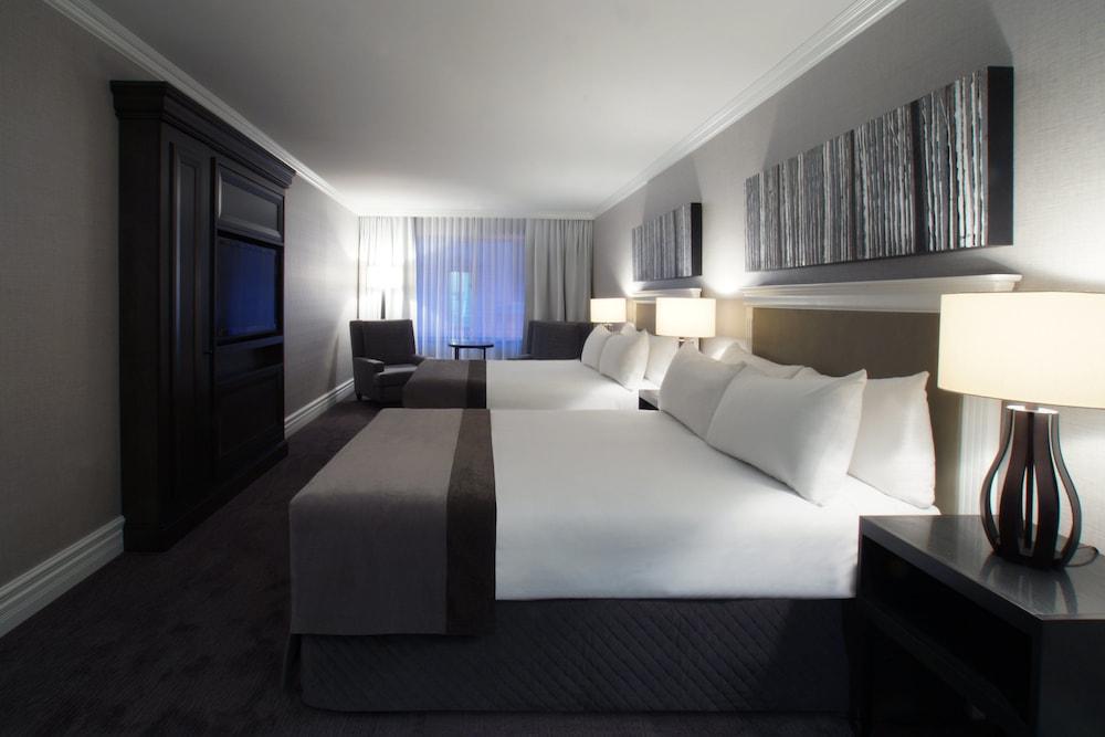 https://i.travelapi.com/hotels/1000000/10000/600/560/3d038eab_z.jpg