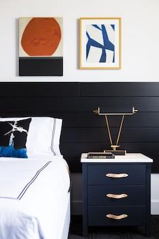 ADA Room, 1 King Bed (SPA)