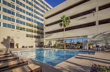 Pool at Crowne Plaza Phoenix - Phx Airport in Phoenix