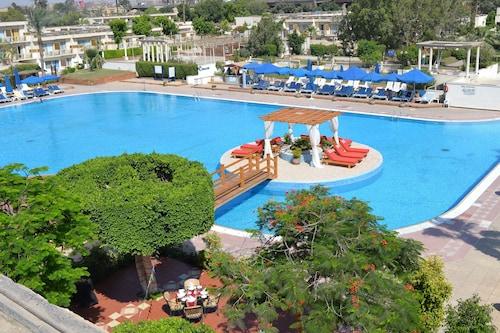 Pyramids Park Resort Cairo, Unorganized in Al Jizah