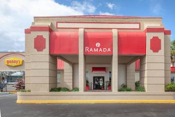 泰特斯維爾甘迺迪航太中心溫德姆華美達飯店 Ramada by Wyndham Titusville/Kennedy Space Center