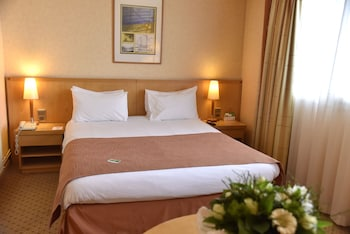 Holiday Inn Calais - Guestroom  - #0