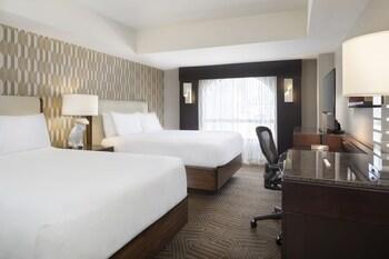 Room, 2 Queen Beds, Non Smoking, City View