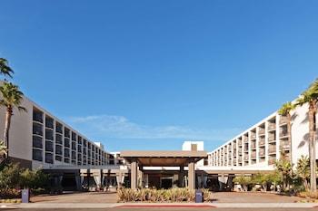 雷東多海灘及碼頭索內斯塔飯店 Sonesta Redondo Beach & Marina