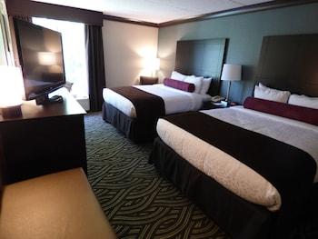 Standard Room, 2 Queen Beds, Non Smoking, Courtyard Area