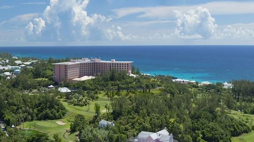 . Fairmont Southampton, Bermuda Beach Resort