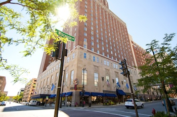 Hotel - Hilton Milwaukee City Center