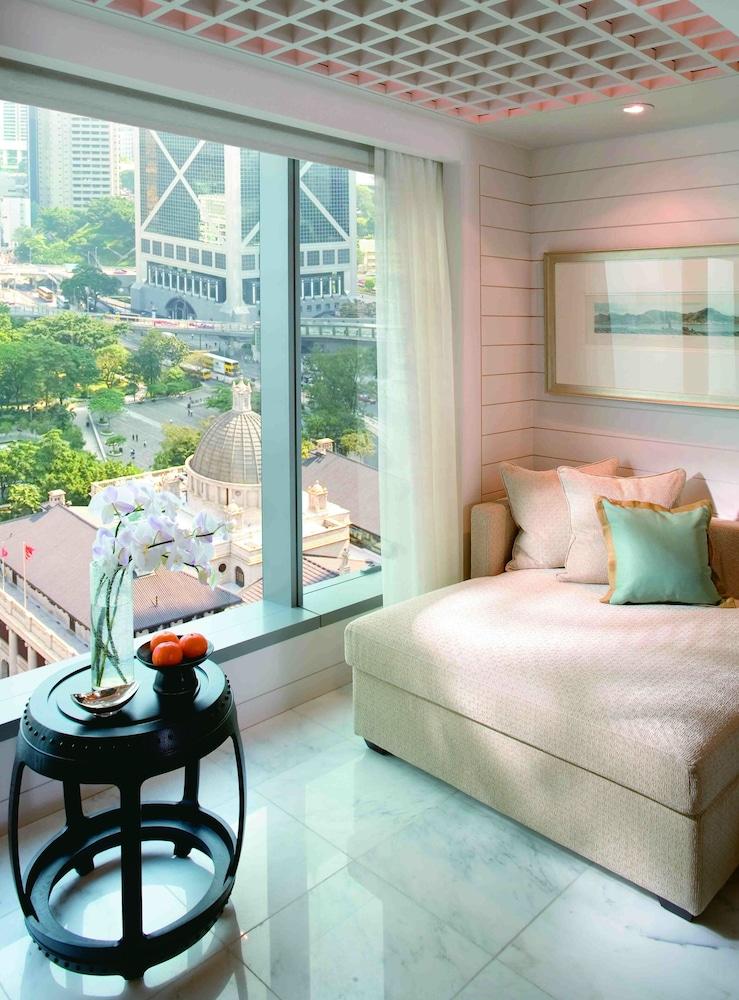 https://i.travelapi.com/hotels/1000000/10000/6100/6095/9cc6ee81_z.jpg